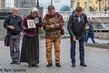 Moscow, prayers before a religious monument